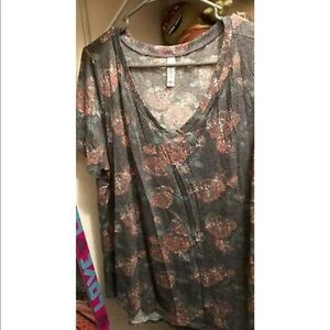 LulaRoe Christy Tee